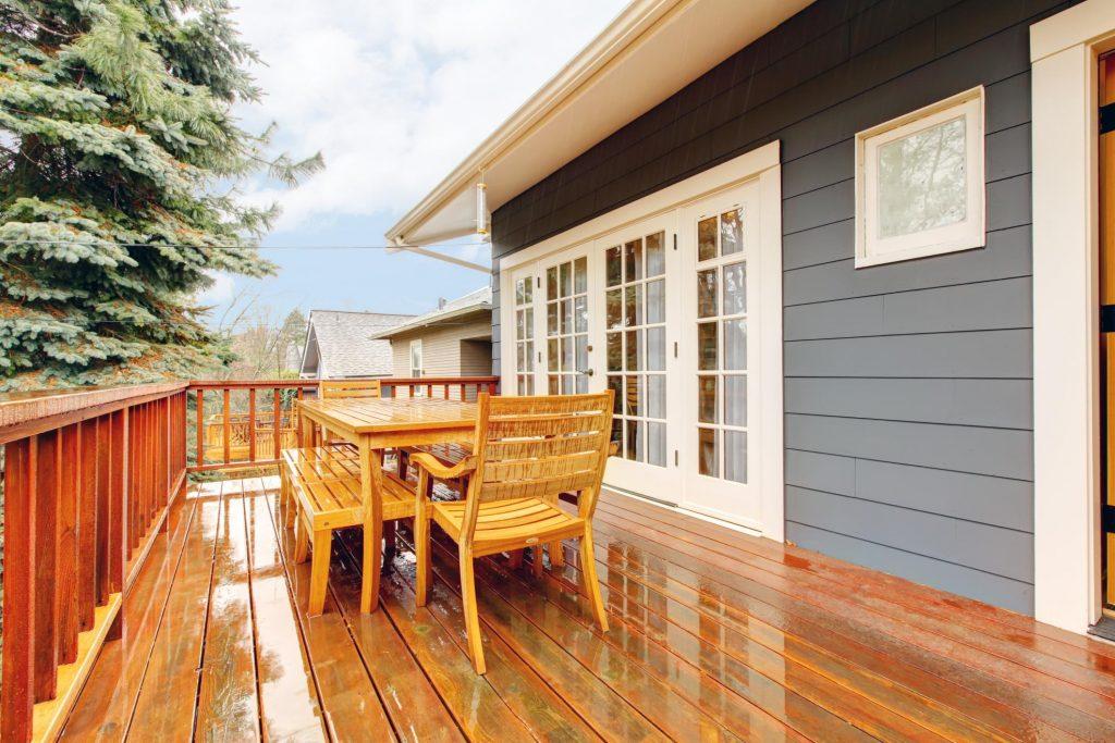 Deck Builders Omaha Pros - Cedar Decks 2