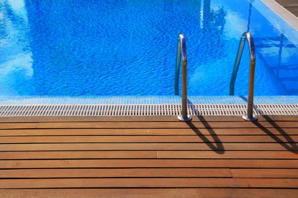 Deck Builders Omaha Pros - Pool and Spa Decks 2